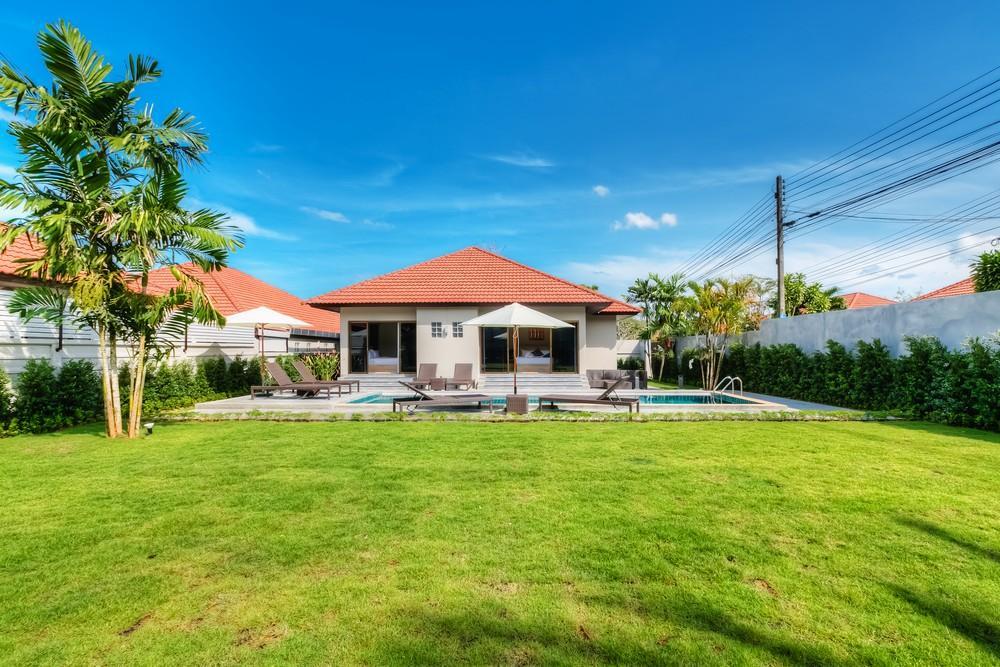 Price 3 BD Garden pool villa in Bangtao