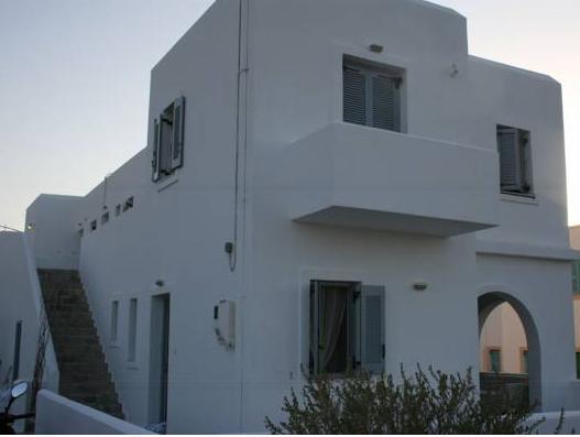 Lazino Studios And Apartments