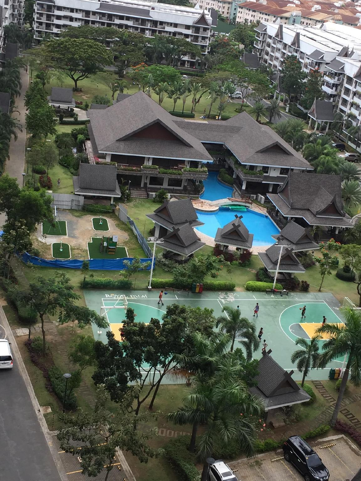Taguig Royal Palm@17F 2 or 1bedroom w/ living room