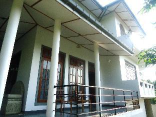 Asiri Residence