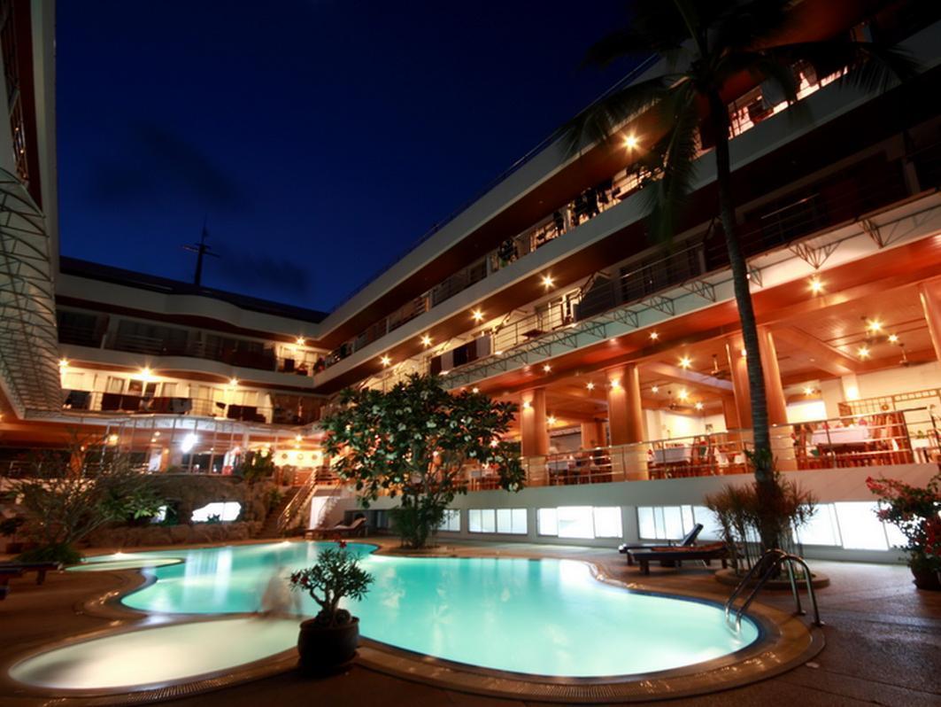 Samui First House Hotel โรงแรมสมุย เฟิร์ส เฮาส์