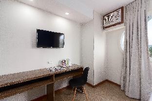 picture 2 of ZEN Rooms M. Velez Street