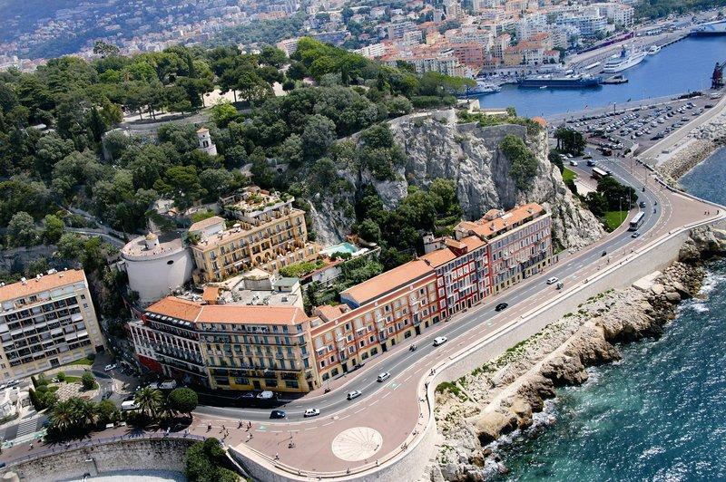 La Perouse Hotel