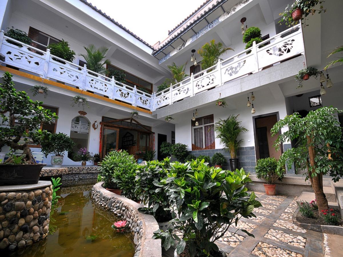 Dali Blue Bird Nest Guest House