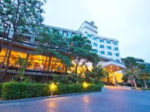 Grand Riverside Hotel