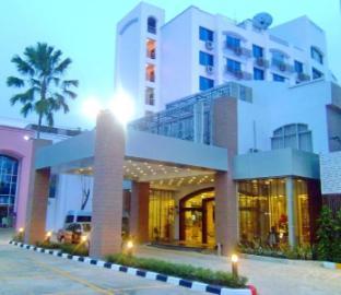 Mayflower Grande Hotel Phitsanulok โรงแรมเมย์ฟลาเวอร์ แกรนด์ พิษณุโลก