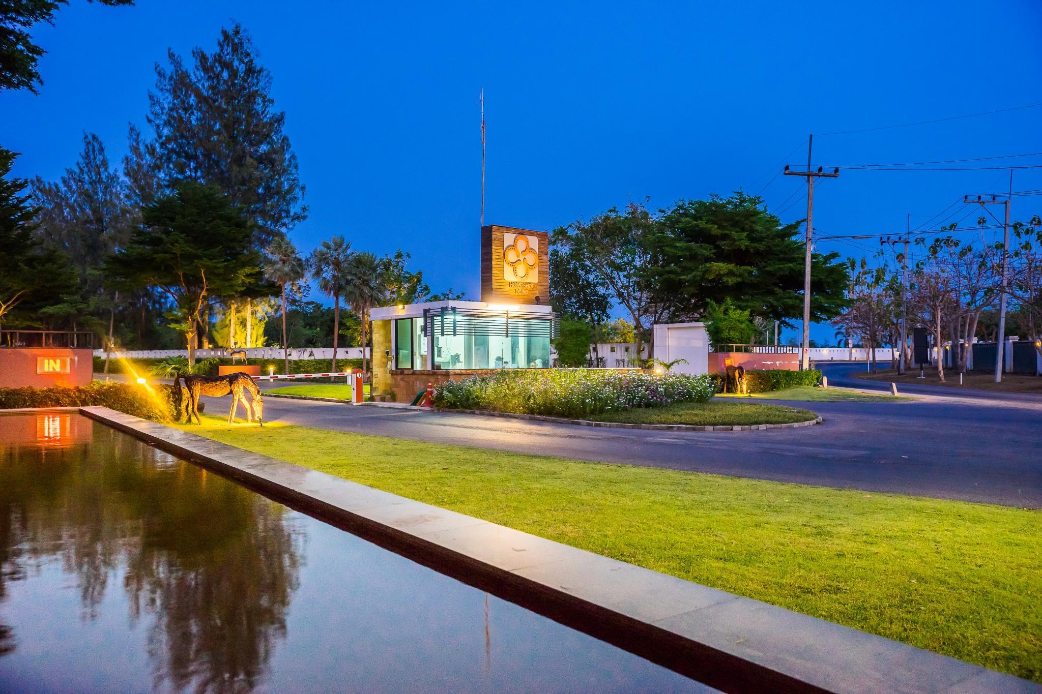 Horseshoe Point Resort & Country Club ฮอร์สชู พอยท์ รีสอร์ท แอนด์ คันทรี คลับ