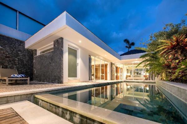 2 Bedroom Uniquely Stylish in Seminyak Bali