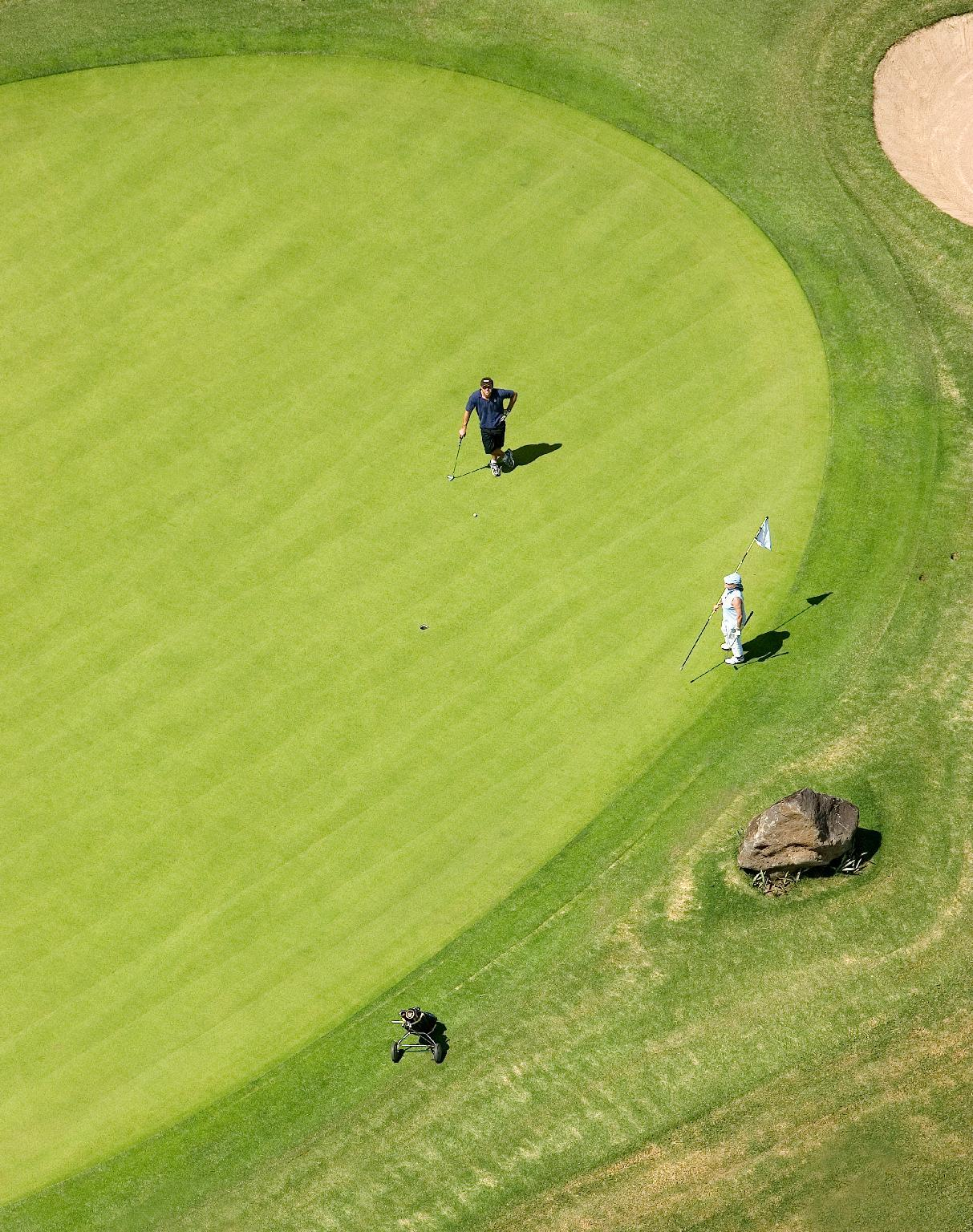 Luxury Sand Villas   18 Hole Golf Package