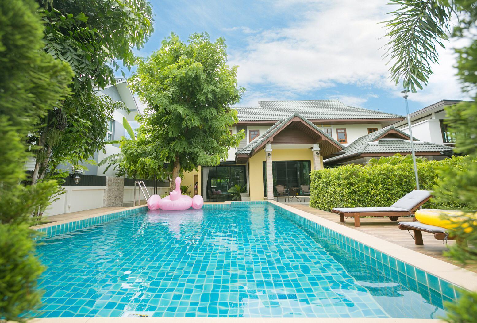 Y'S chiang mai  swimming pool villa Reviews