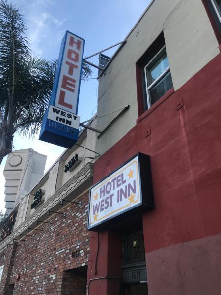 Hotel West Inn Hollywood LA