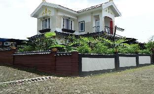 Villa Wini Santo Bukit Cipendawa Puncak utk Lokal Puncak