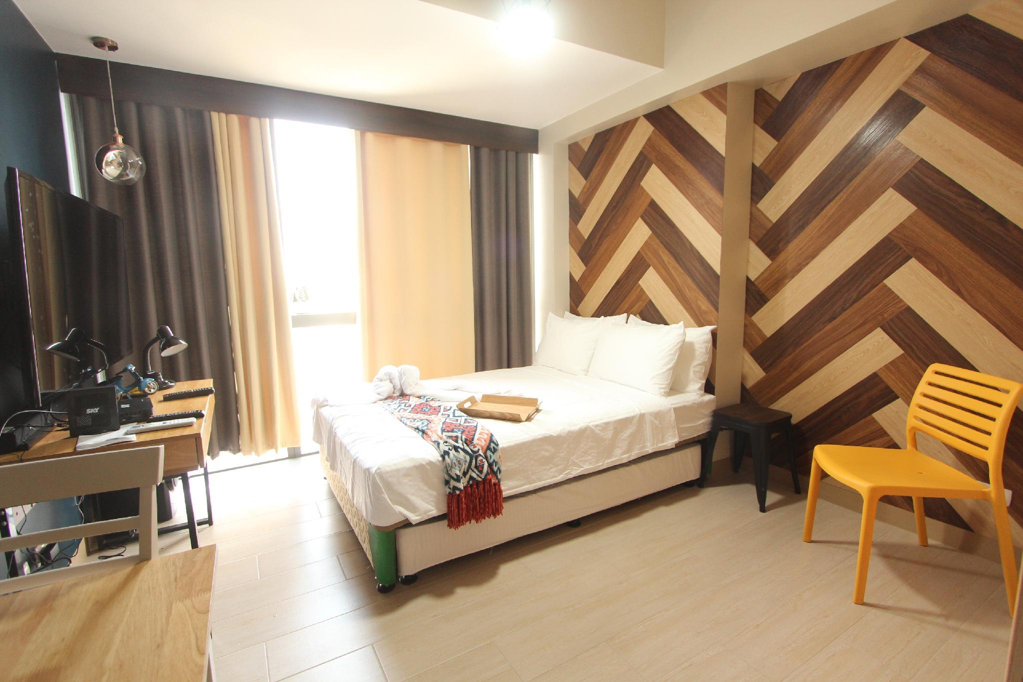 Cloverphsuites @ One Eastwood Ave Executive RoomL