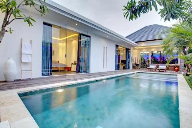 La Belle Deluxe Private Villa Seminyak