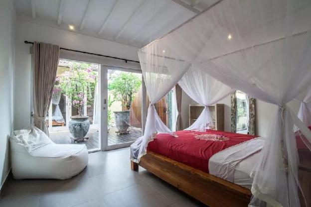Relaxing Central Seminyak - Oberoi Private Villa