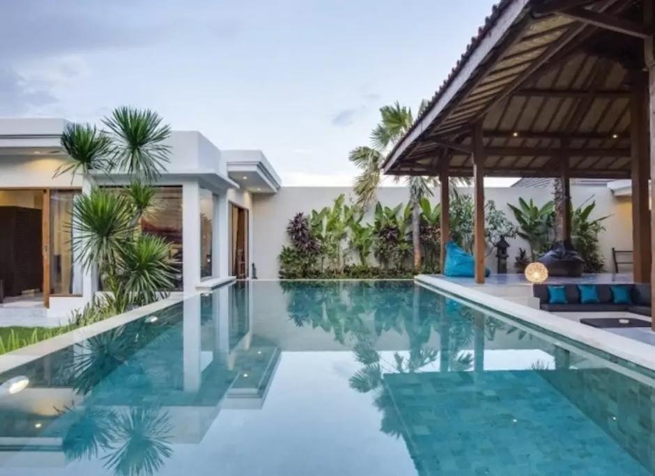 Deluxe Joglo Private Villa In Seminyak