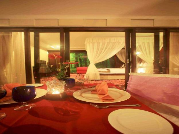 Romantic Private Pool Villa in Kuta