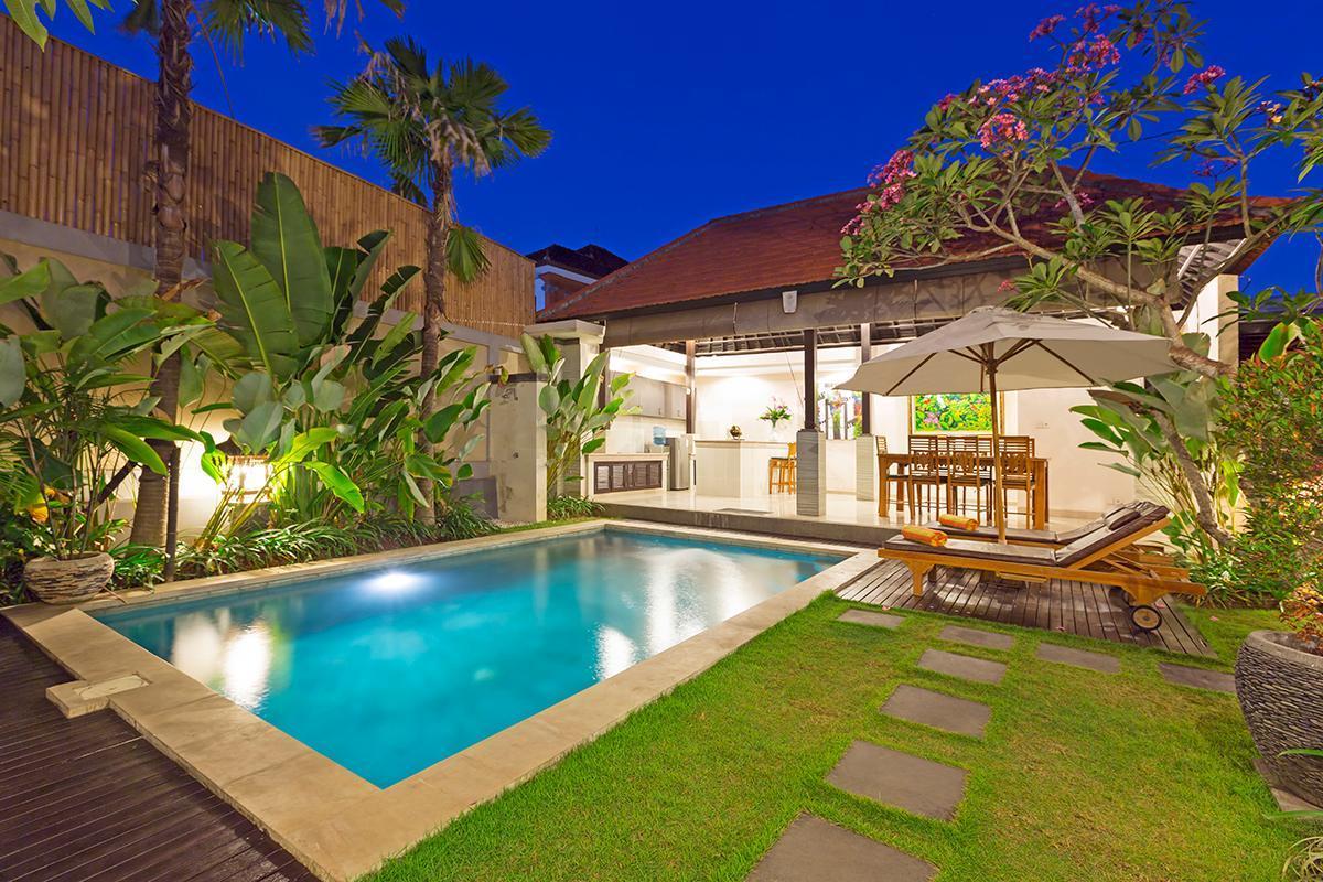 Close Beach 2 BR Family Pool Villa Kubal Seminyak