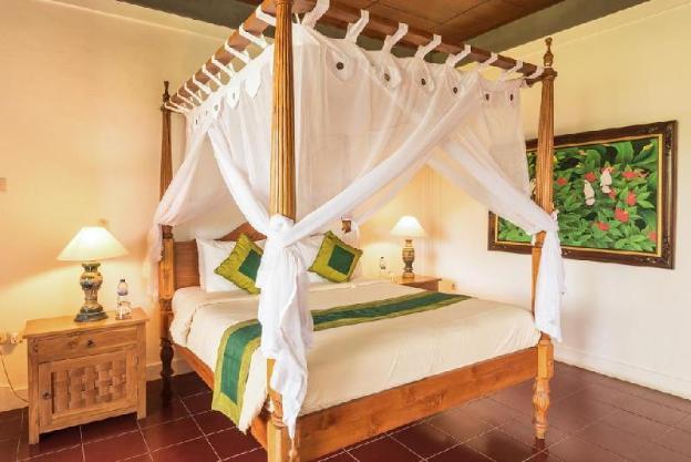 Standard Double room @ Bunga Permai Hotel