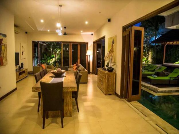 Villa Interlude