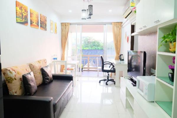 Stunning view 2 BR APT-WIFI,cooking,near metro!! Bangkok
