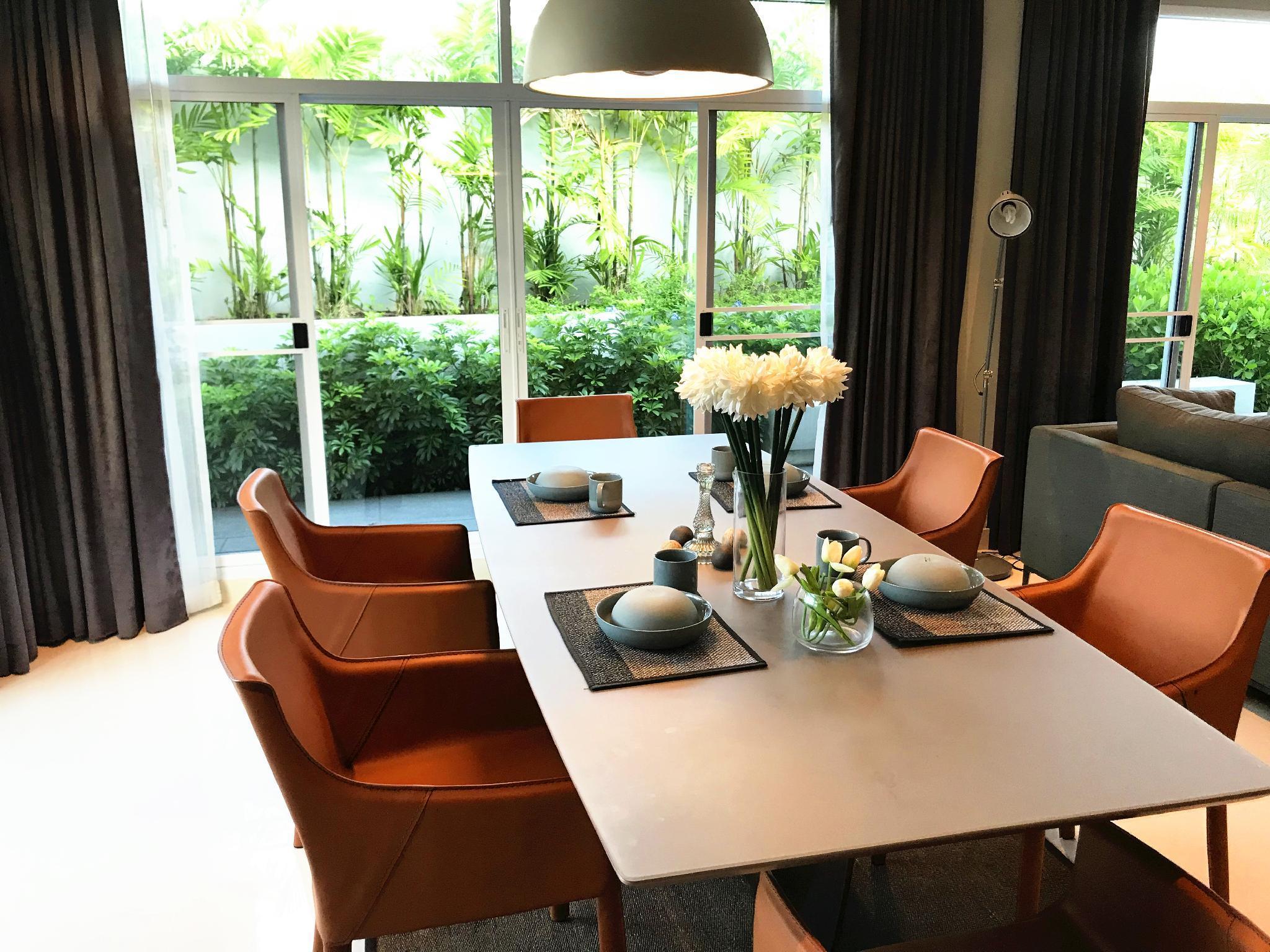 Luxury  swimming pool  villa  in Pattaya Discount
