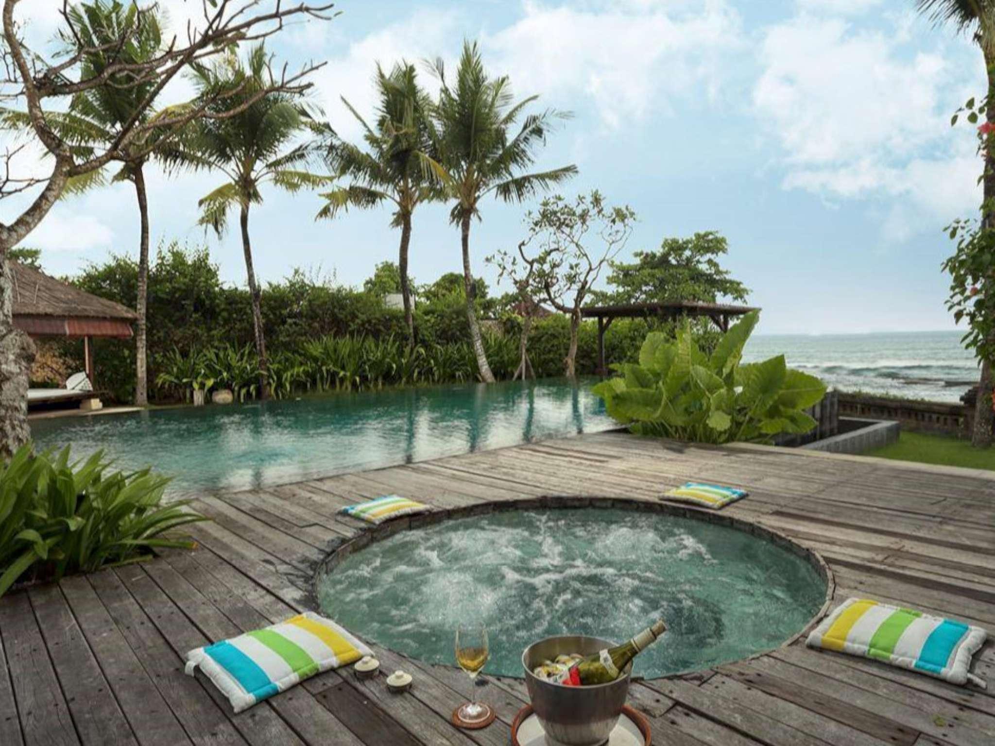 6 BDR Villa W Beach Front Canggu
