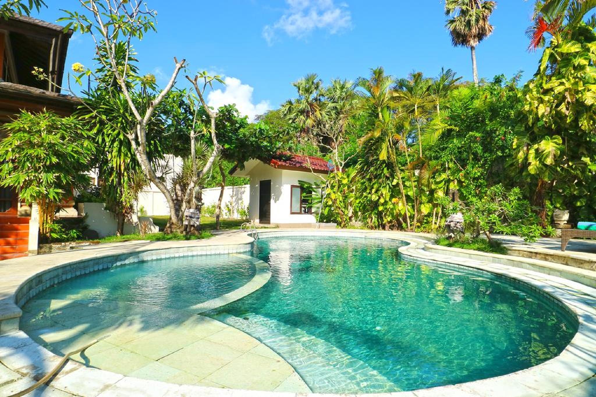 3 BDR Tropical Villa Legian