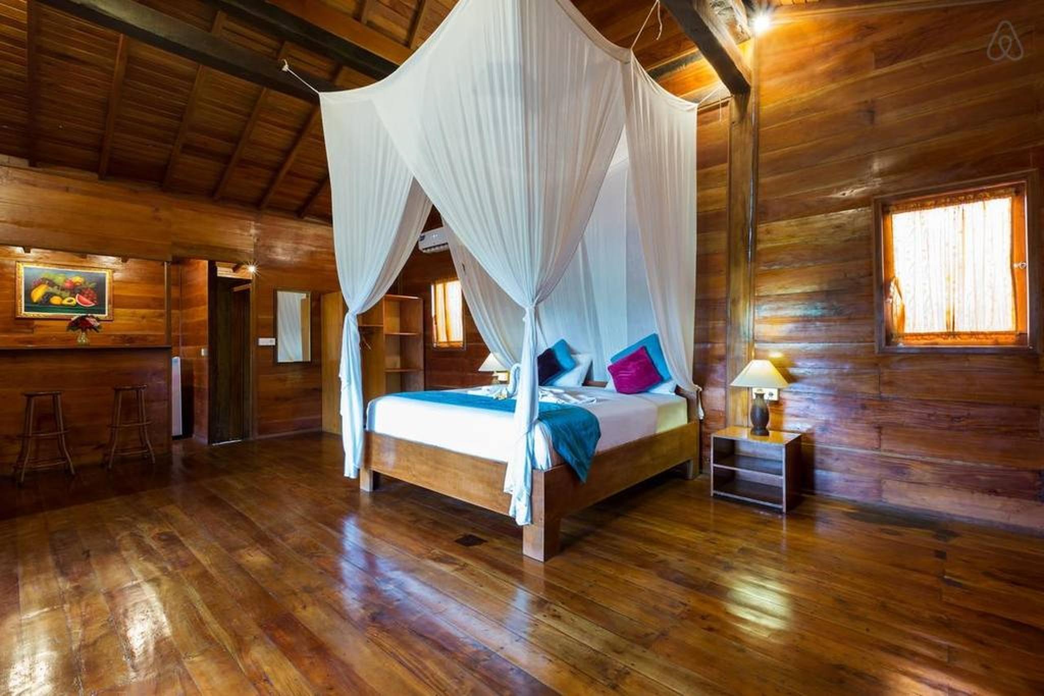 Price Awesome Joglo Villa at Canggu