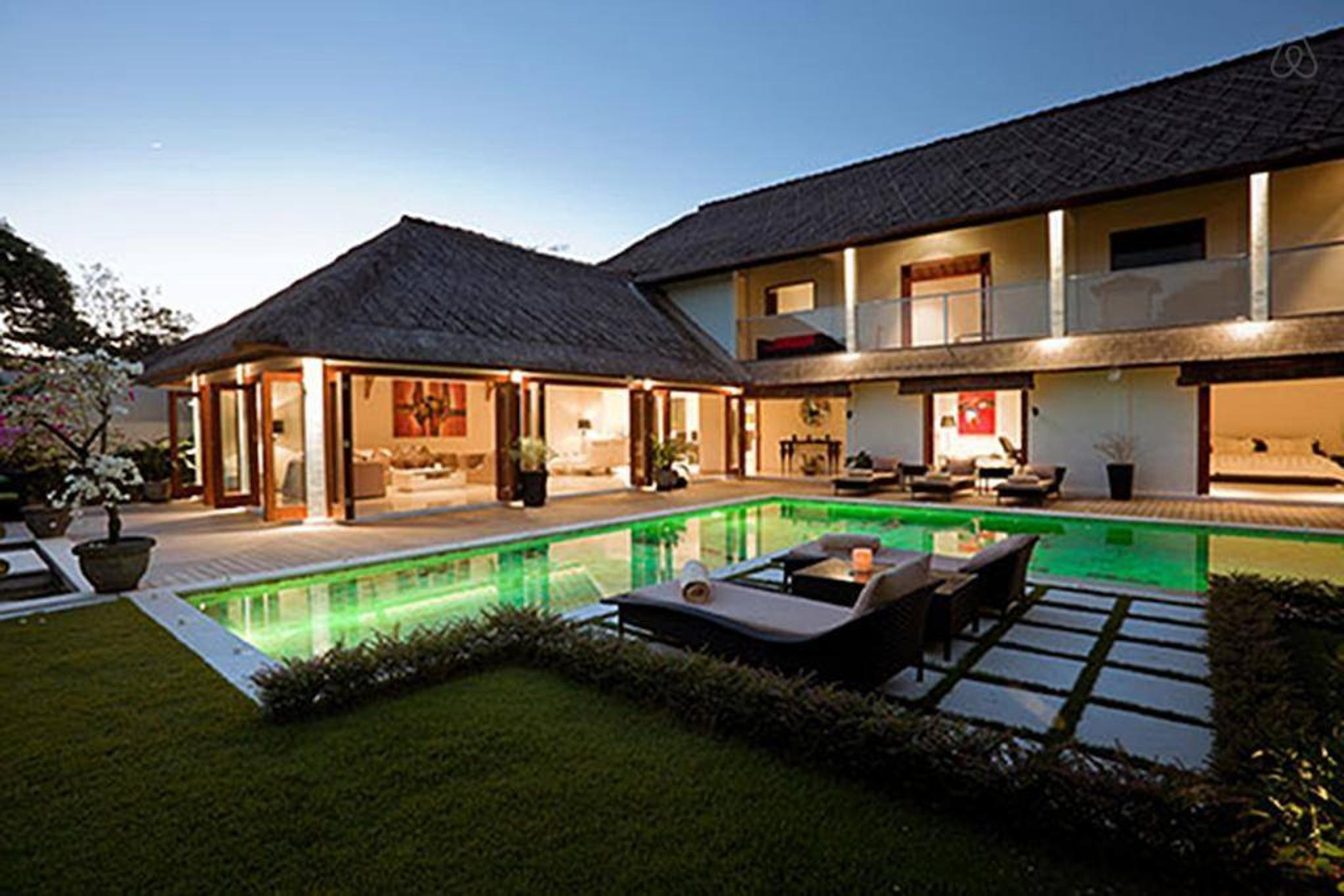 4 Bedroom Luxury Villa At Seminyak Promo
