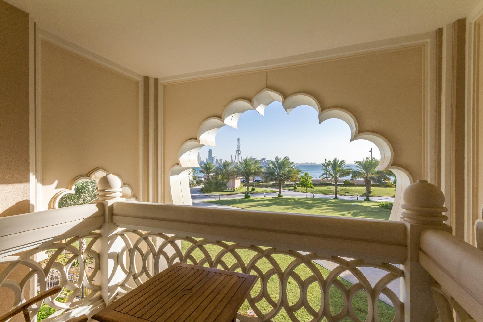 MaisonPrive  2Bed Sea View Palm Jumeirah Crescent