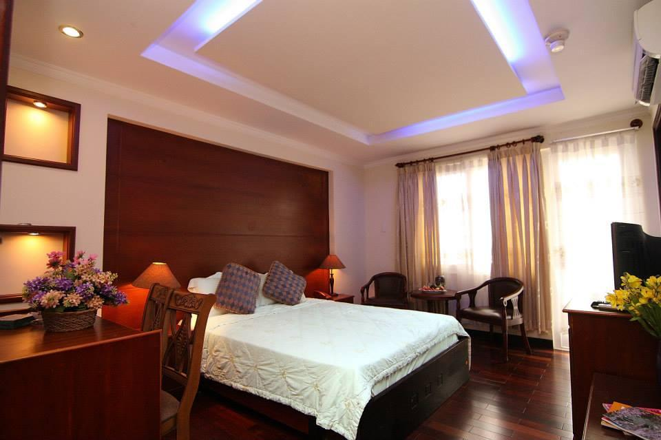 Moonlight Saigon Hotel