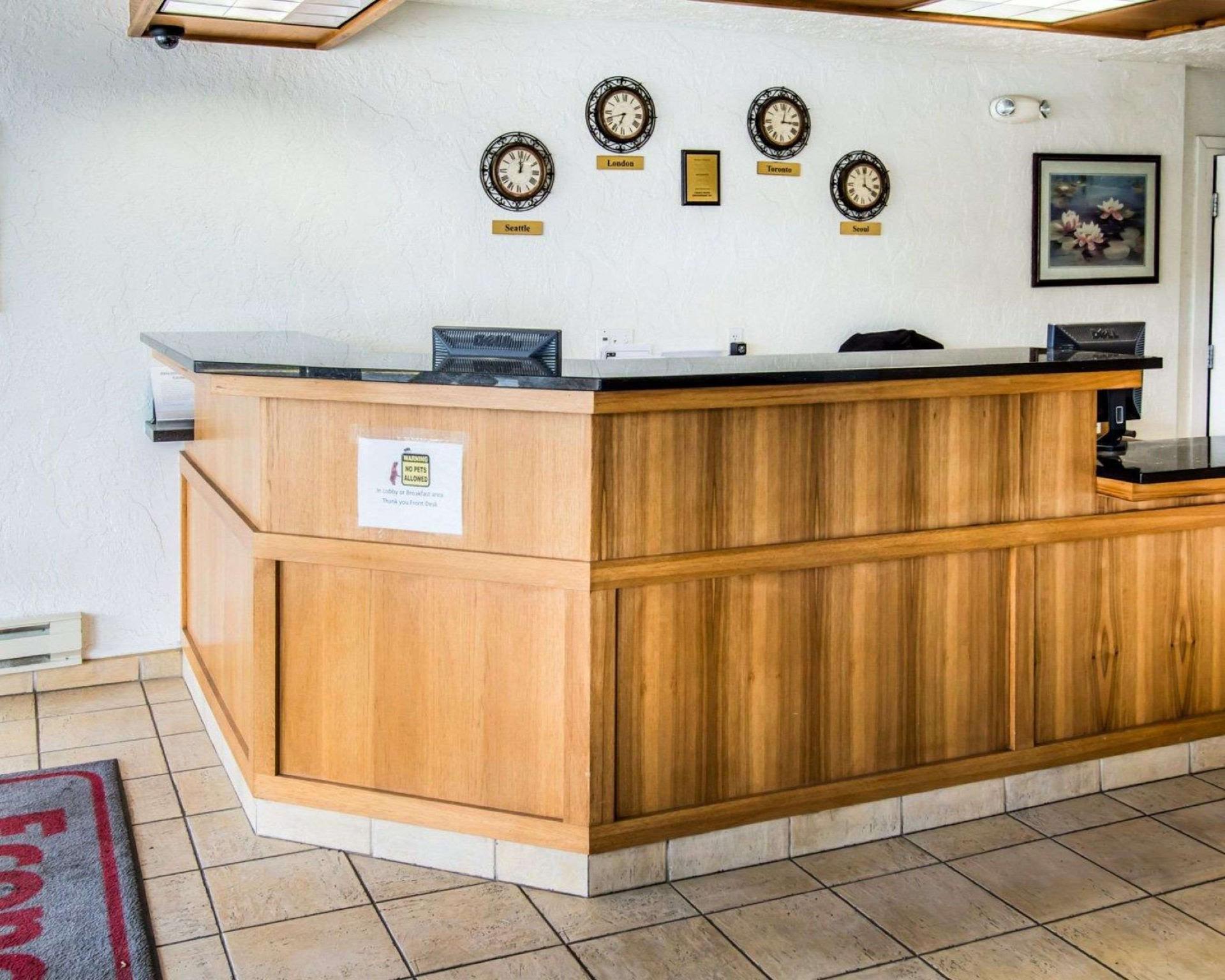 Econo Lodge Inn And Suites Spokane