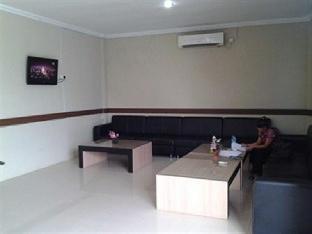Rapos Hotel