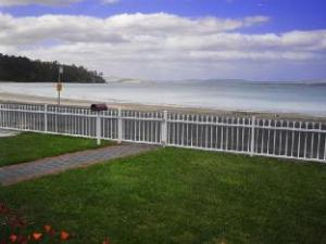 The Esplanade Kingston Beach Apartment