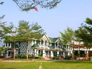 Atunas Holiday Country Resort