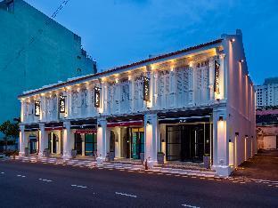 Hutton Suites Hotel