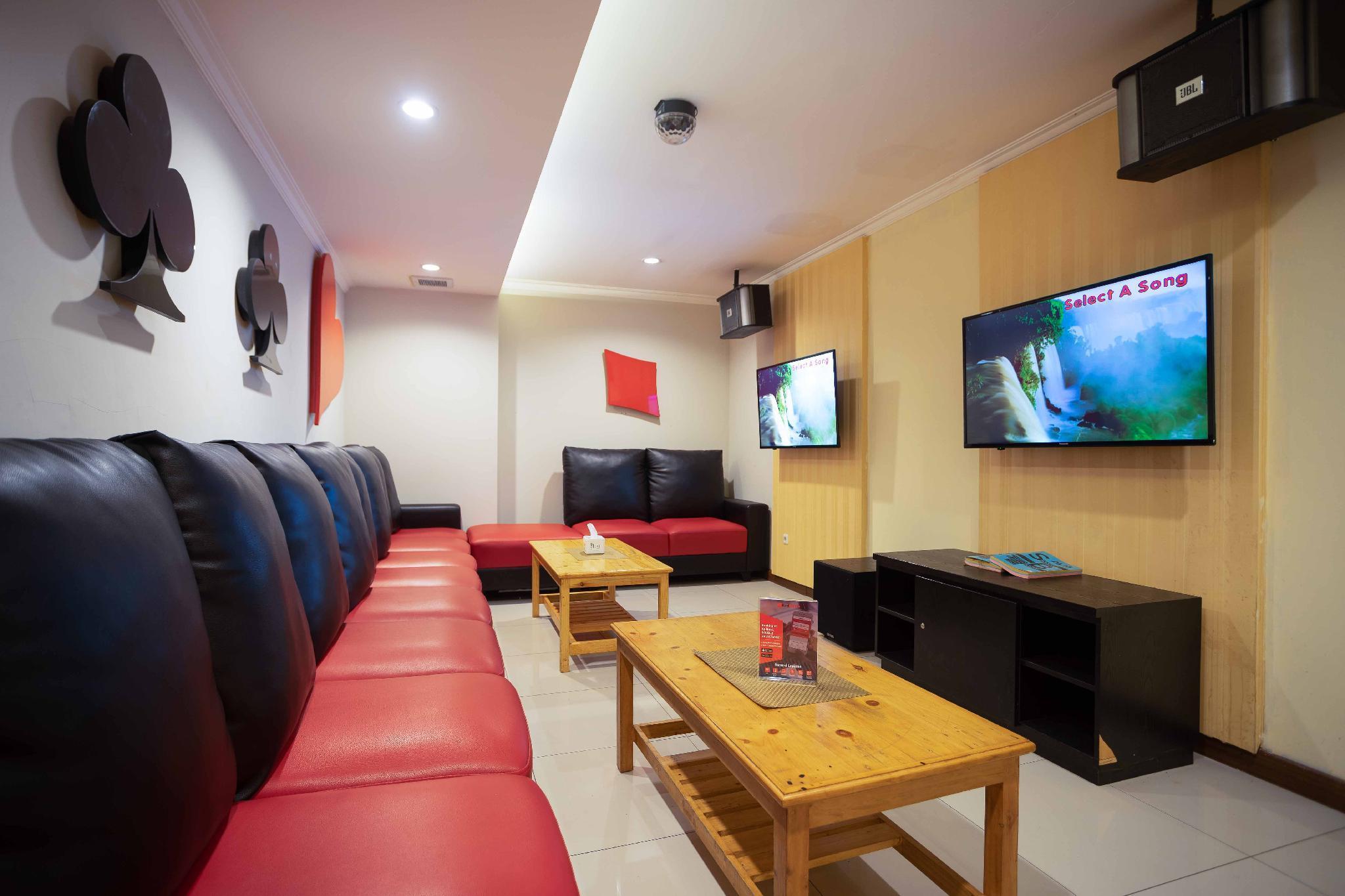 Price RedDoorz Premium near Kawasan Industri Cikarang