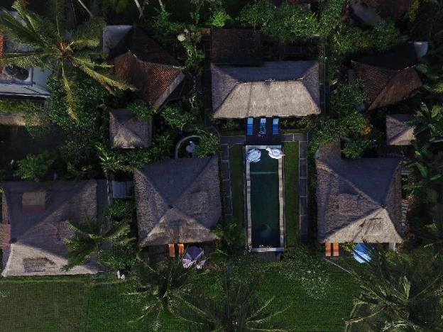Villa The Artist (Secured Compound, Pool, Resto)