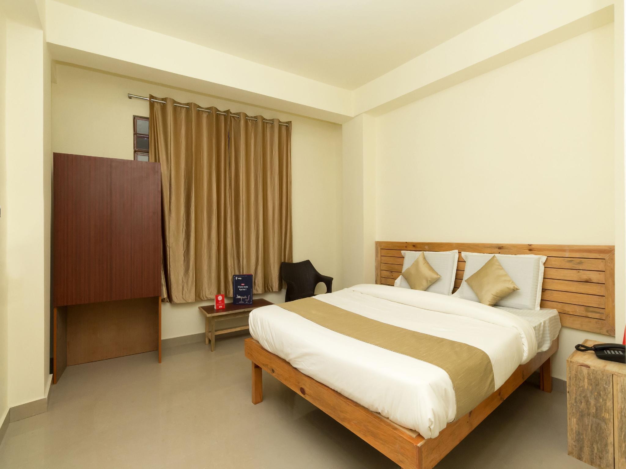Capital O 10796 Hotel Travellers Inn