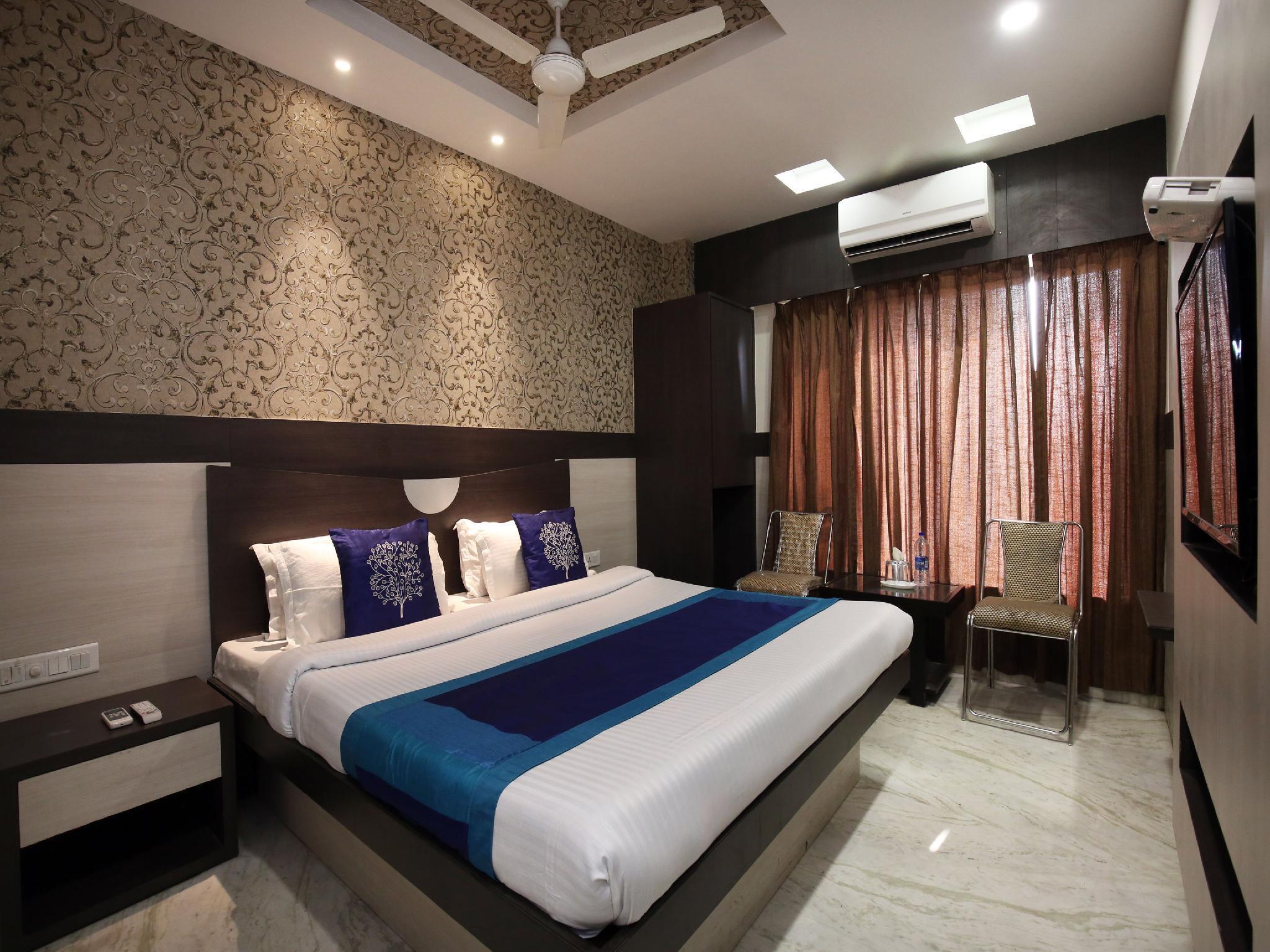 OYO 9816 Hotel Neelkanth
