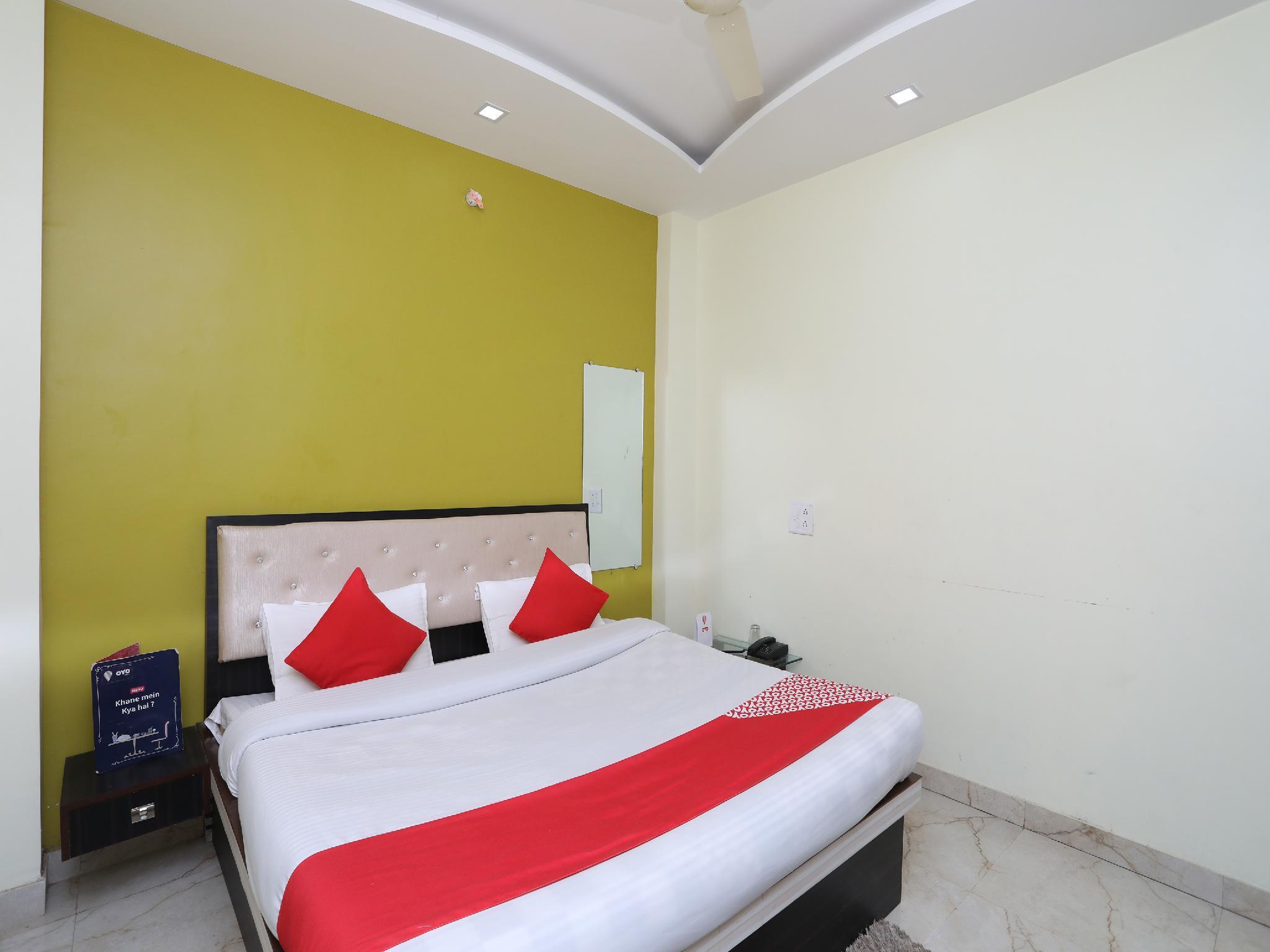 OYO 10969 Hotel US Residency