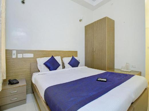 OYO 3547 Raj Guru Residency