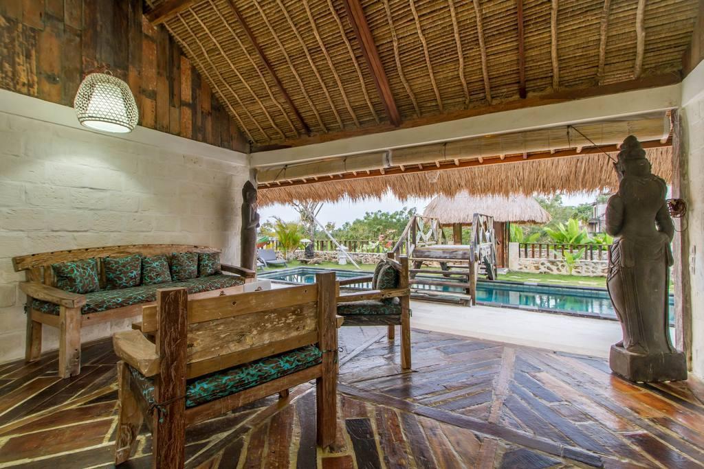 Price Villa 5 minute to famous Balangan beach