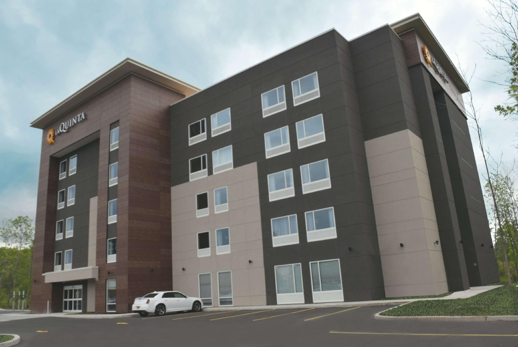La Quinta Inn And Suites By Wyndham Buffalo Amherst