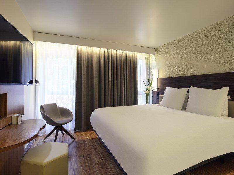 Mercure Paris Arc de Triomphe Etoile Hotel