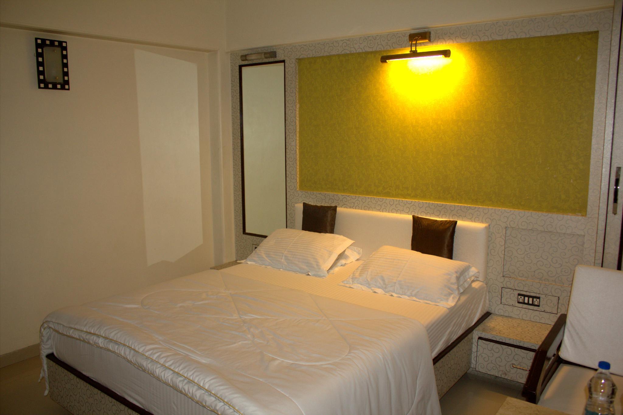 Hotel Solitaire Vashi