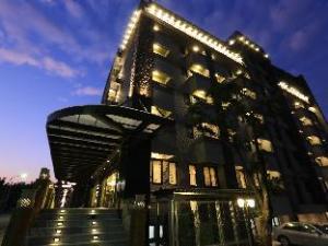 经典大饭店思麻丹馆 (Classic Hotel Shvatan)