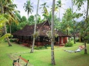 Kayaloram Heritage Lake Resort