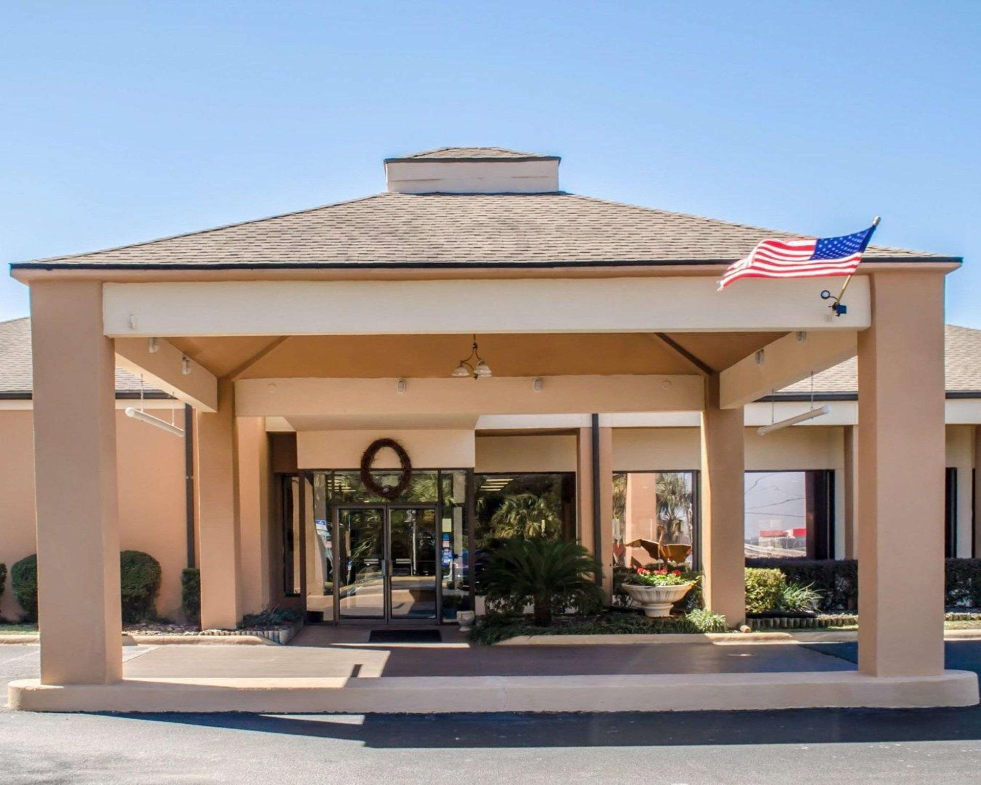 Quality Inn and Suites Pensacola Bayview Reviews